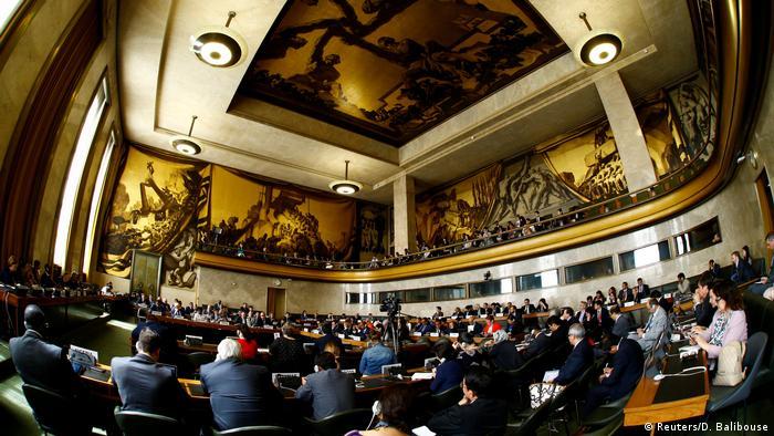 El representante especial de la ONU para Siria, Staffan de Mistura, ha recibido hoy a la delegación que representa al régimen de Damasco en las negociaciones de paz con la oposición. De Mistura se ha reunido igualmente, desde el martes y a diario, con la opositora Comisión Suprema para las Negociaciones (CSN). (18.05.2017)