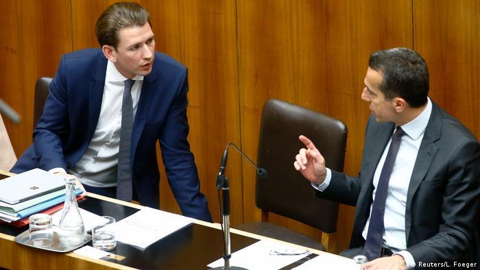 Sebastian Kurz, líder del ÖPV y ministro de Exteriores austríaco (izqda.) y Christian Kern, canciller de Austria.