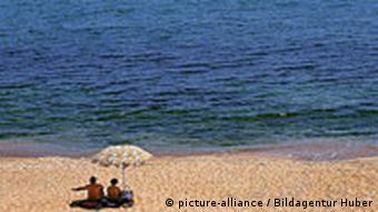 Bulgarien Djuni Urlauber am Schwarzen Meer