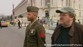 Film still from Fahrenheit 9/11 (Imago/EntertainmentPictures)