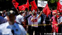 Washington Pro-Erdogan Demonstranten im Lafayette Park (Reuters/J. Ernst)