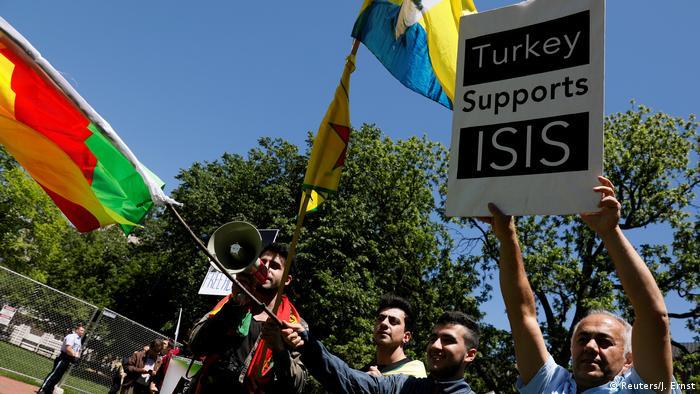 Washington Anti-Erdogan Demonstranten im Lafayette Park