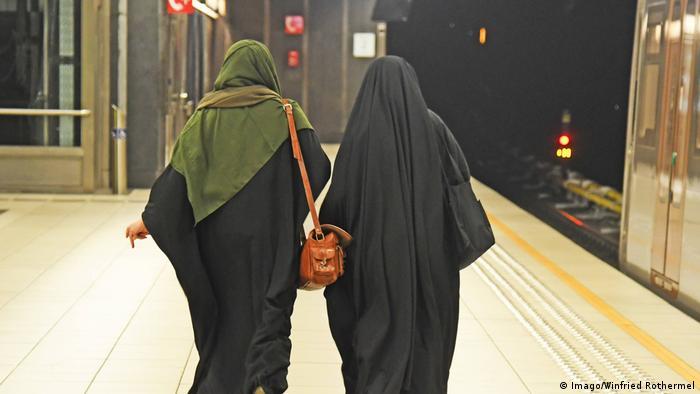 Германия също носи вина за капсулирането на чуждите общности