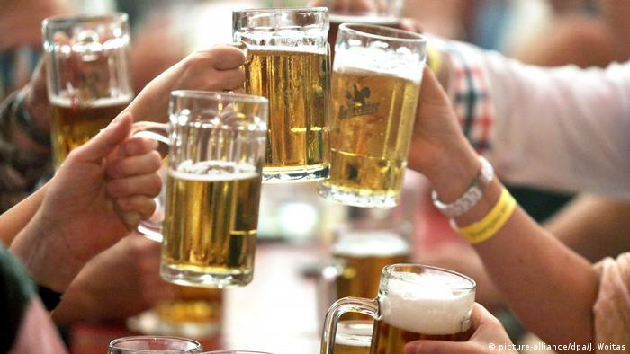 Bier (picture-alliance/dpa/J. Woitas)