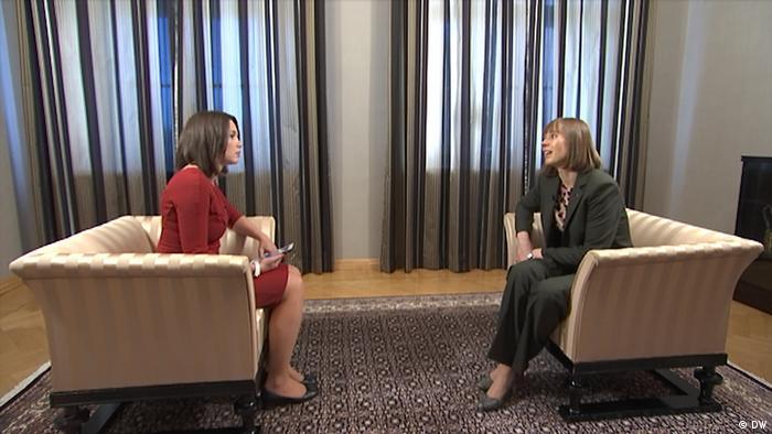 Estnische Präsidentin Kersti Kaljulaid, Interview durch Zhanna Nemtsova