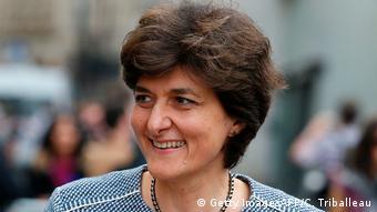 Η νέα υπουργός Άμυνας Σιλβί Γκουλάρ είναι μια από τις 11 γυναίκες που συμμετέχουν στη νέα κυβέρνηση Μακρόν