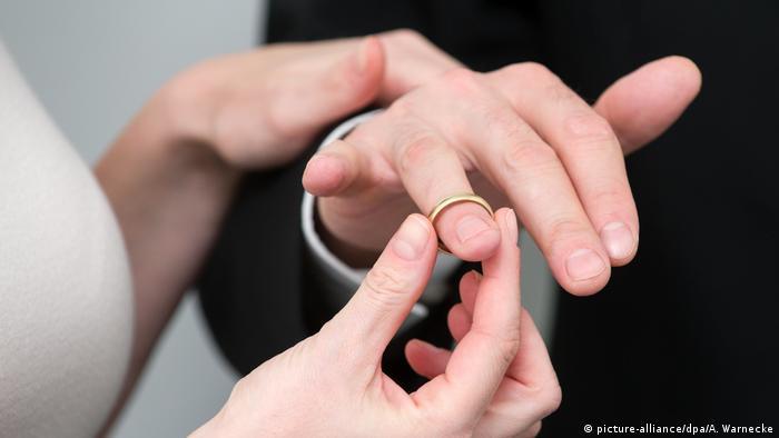 Математики рассчитали идеальную стоимость обручального кольца