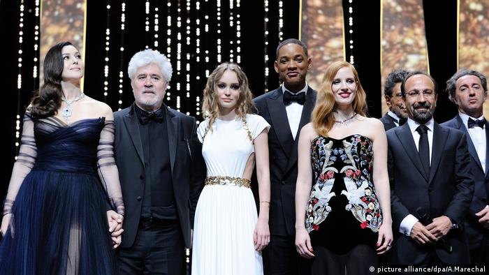 Cannes Filmfestival Eröffnung 2017 (picture alliance/dpa/A.Marechal)
