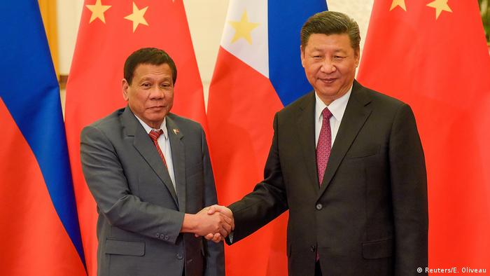 China Präsident Xi Jinping und Präsident Rodrigo Duterte (Reuters/E. Oliveau)