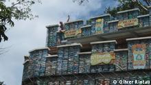 Panama Isla Colon Gebäude aus Plastikflaschen