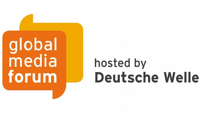 "Logo Deutsche Welle Global Media Forum GMF mit Zusatz ""hosted by Deutsche Welle"