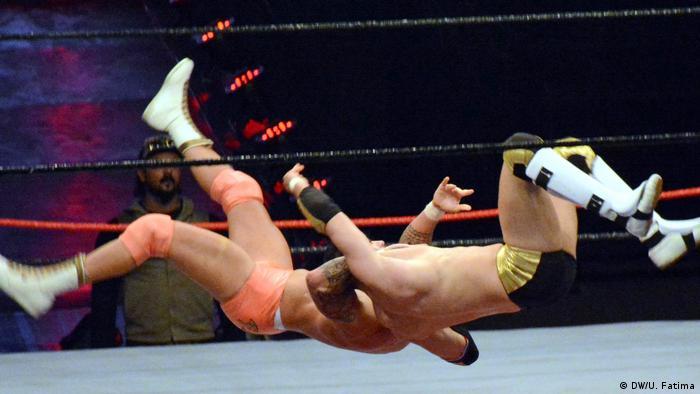 صورة رمزية لمصارعة المحترفين