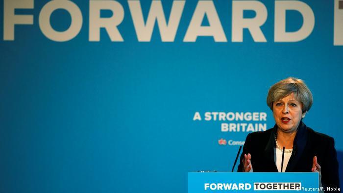 Großbritannien Theresa May startet ihre Wahlkampagne