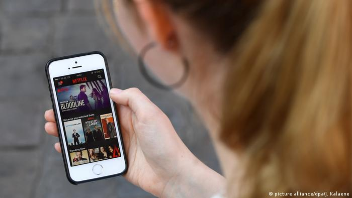 Netflix - Streaming Netz (picture alliance/dpa/J. Kalaene)