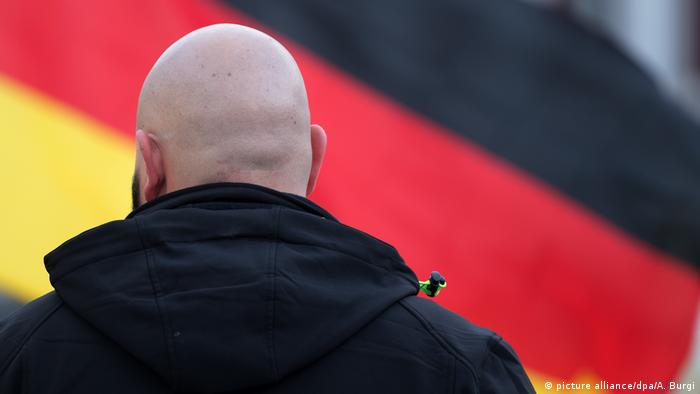 Right-wing extremism in Germany (picture alliance/dpa/A. Burgi)
