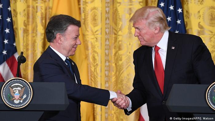 Trump felicita de mano a Santos por el Nobel de Paz