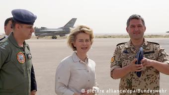 H υπουργός Άμυνας Ούρσουλα φον ντερ Λάιεν σε πρόσφατη επίσκεψή της στην Ιορδανία