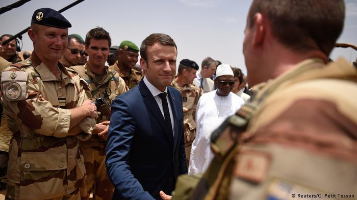 Macron meets with French troops in Africa's Sahel region (Reuters/C. Petit Tesson)