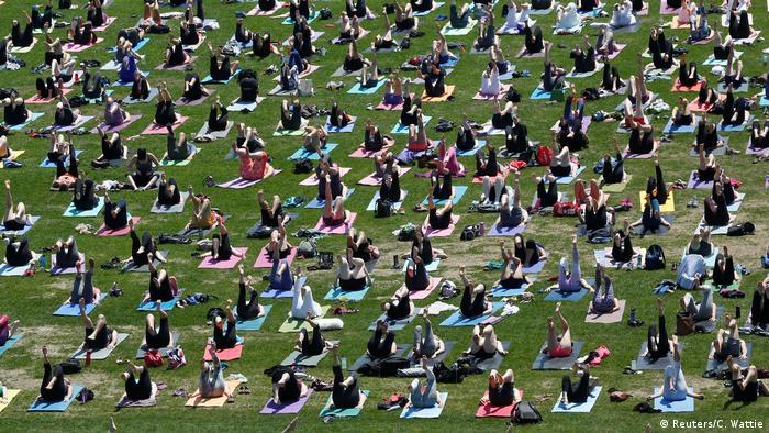 Kanada öffentliches Yoga (Reuters/C. Wattie)