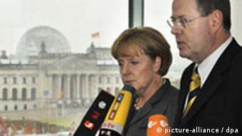 Kancelarka Merkel i ministar financija Steinbrück