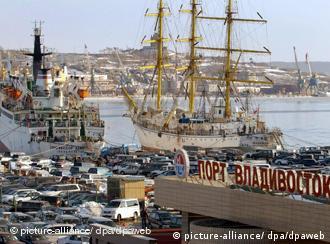 Подержанные японские машины в порту Владивостока