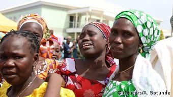 Retour d'une partie des écolières enlevé à Chibok (Nigeria) en avril 2014
