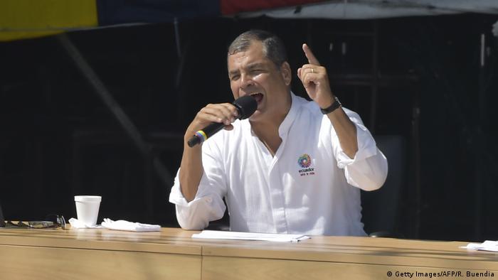 Ecuador - Präsident Rafael Correa bei seiner letzten wöchentlichen Rede (Getty Images/AFP/R. Buendia)