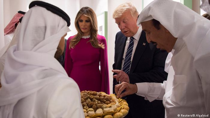 Melania Trump and Donald Trump Saudi Arabien (Reuters/B.Algaloud)