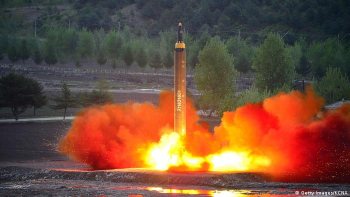 Norkorea Rakete (Getty Images/KCNA)