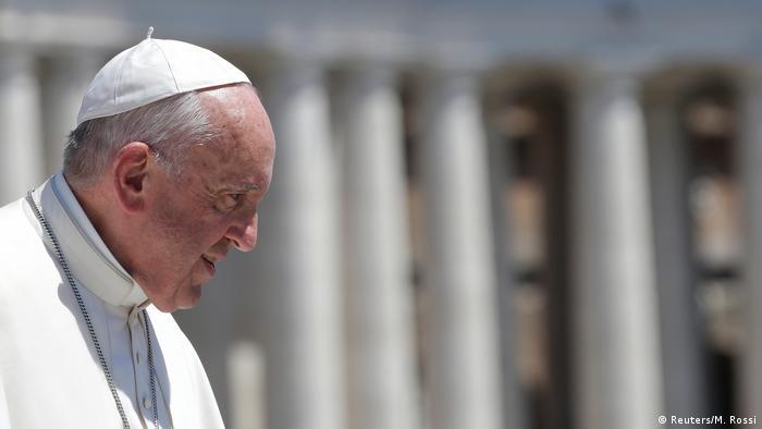 Vatikan Papst Franziskus (Reuters/M. Rossi)