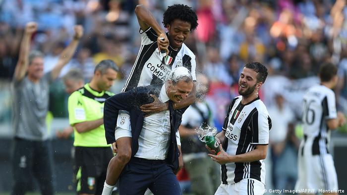 Italien Juventus Turin vorzeitig italienischer Meister (Getty Images/AFP/F. Monteforte)