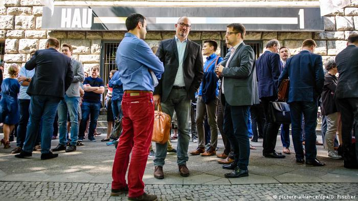 A bomb scare was just the latest bit of drama ahead of the unveiling of the SPD's election platform