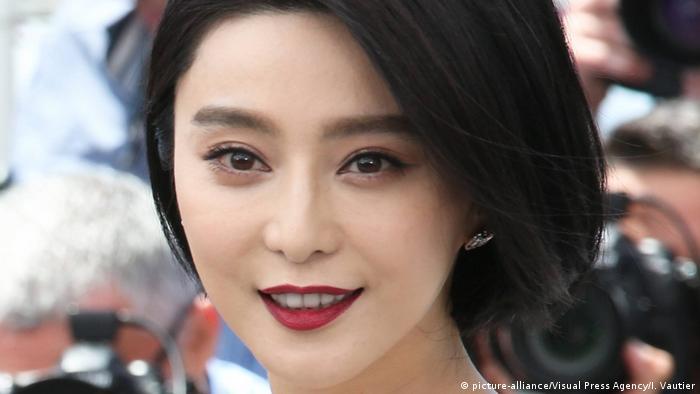 Frankreich Cannes - Chinesische Besucher auf den Filmfestspielen in Cannes (picture-alliance/Visual Press Agency/I. Vautier)