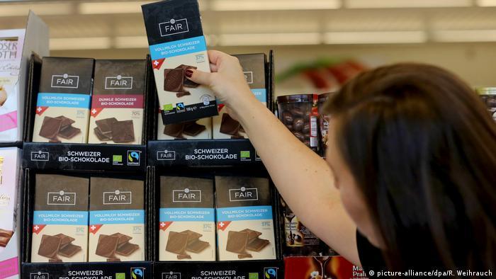 Fairtrade Produkte (Foto: picture-alliance/dpa/R. Weihrauch)