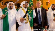 20.05.2017*****May 20, 2017 - Riyadh, Saudi Arabia - U.S. President Donald Trump and Saudi King Salman bin Abdulaziz Al Saud poses for photos with ceremonial swordsmen on arrival to the Murabba Palace for the welcome banquet May 20, 2017 in Riyadh, Saudi Arabia. Riyadh Saudi Arabia PUBLICATIONxINxGERxSUIxAUTxONLY - ZUMAp138 20170520_zaa_p138_019 Copyright: xShealahxCraigheadx May 20 2017 Riyadh Saudi Arabia U S President Donald Trump and Saudi King Salman am Abdul Aziz Al Saud Poses for Photos With Ceremonial Swordsmen ON Arrival to The Palace for The Welcome Banquet May 20 2017 in Riyadh Saudi Arabia Riyadh Saudi Arabia PUBLICATIONxINxGERxSUIxAUTxONLY ZUMAp138 20170520_zaa_p138_019 Copyright xShealahxCraigheadx