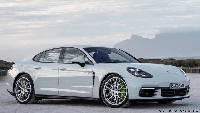 Porsche Panamera 4-E Hybrid (Dr. Ing. h.c. F. Porsche AG)