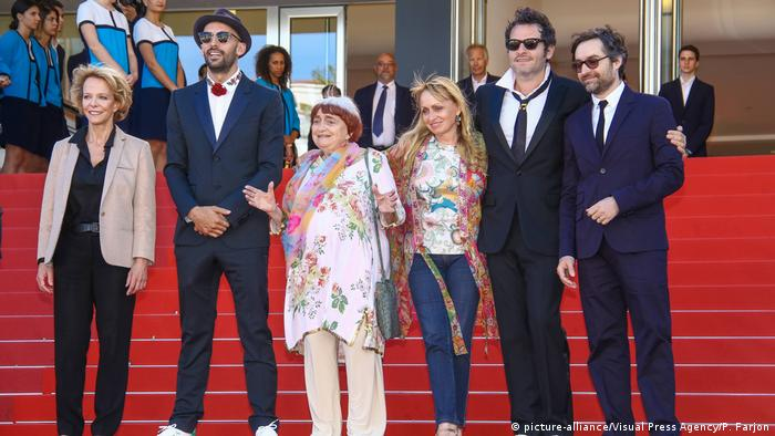 A popular figure on the red carpet: Varda at the Cannes Film Festival in 2017