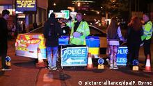 22.05.2017 Einheiten der Polizei sind am 23.05.2017 in Manchester, Großbritannien, in der Nähe der Manchester Arena im Einsatz. Bei einem Konzert in der britischen Stadt Manchester hat es am nach Polizeiangaben Tote und Verletzte gegeben. (zu dpa «Tote und Verletzte bei Konzert in Manchester» vom 22.05.2017) Foto: Peter Byrne/PA Wire/dpa +++(c) dpa - Bildfunk+++