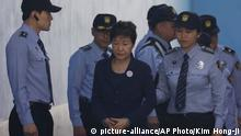 Südkorea Ex-Präsidentin Park Geun-hye vor Gericht in Seoul (picture-alliance/AP Photo/Kim Hong-ji)