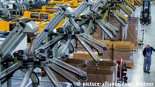 Deutschland Geschäftsklima United Caps Produktionshalle in Schwerin