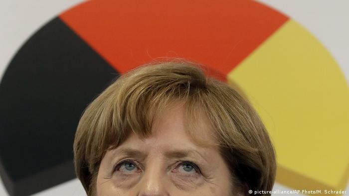 Deutschland Angela Merkel PK in München (picture-alliance/AP Photo/M. Schrader)