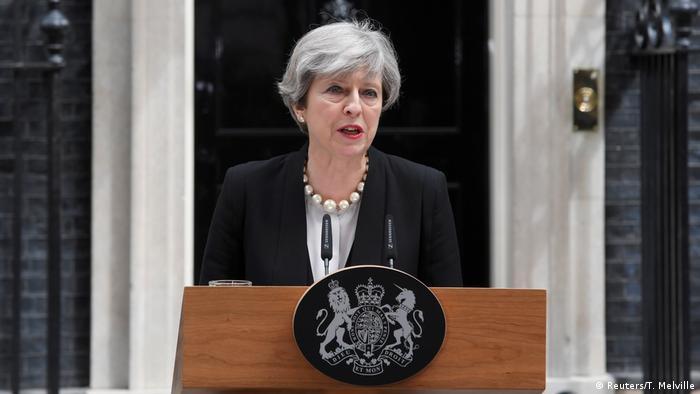 Großbritannien PK Theresa May zum Anschlag in Manchester (Reuters/T. Melville)