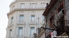 Kuba: Havanna: Zerfallenes Haus vor Gran Hotel Manzana Kempinski