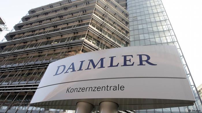 Deutschland Duchsuchungen bei Daimler Konzenzentrale in Stuttgart (Imago)