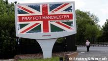 Die Europäer sind immer weniger religiös - aber bei Terror soll stets gebetet werden, gerne auch mit #Hashtag