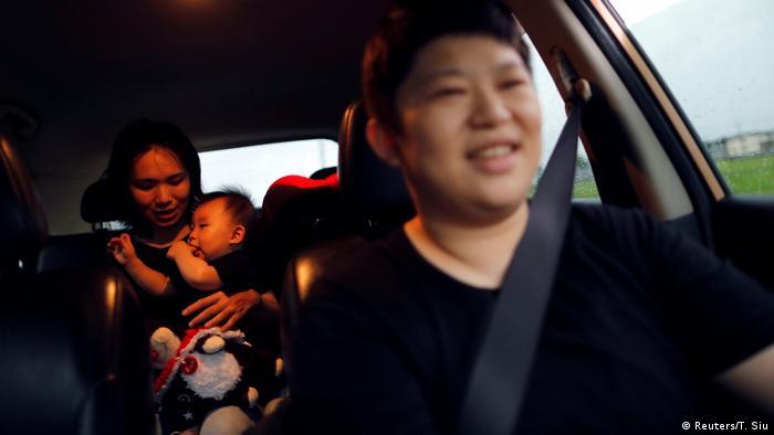 Leber Li und Amely Chen (Reuters/T. Siu)