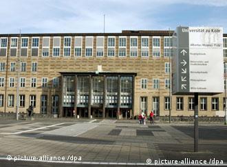 Главное здание Кельнского университета