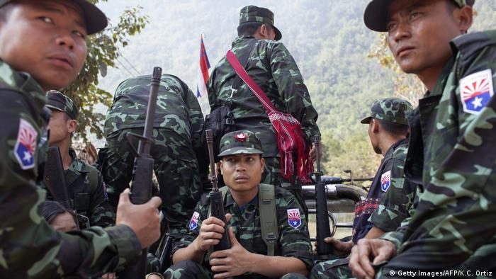 Soldiers from the Karen National Liberation Army