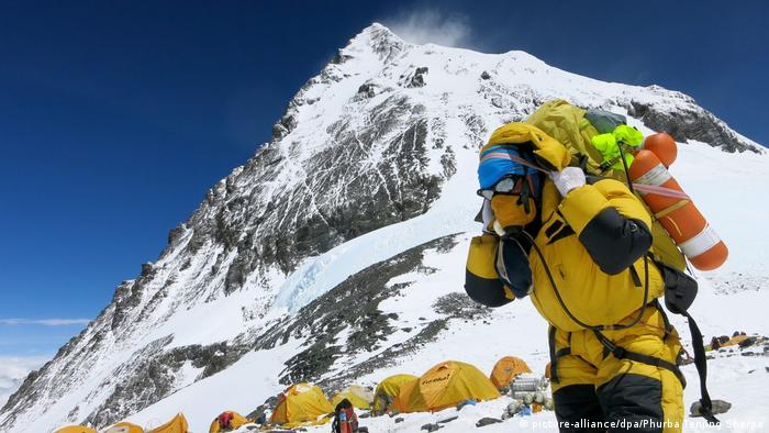 Nepal Mount Everest Camp 4 (picture-alliance/dpa/Phurba Tenjing Sherpa)