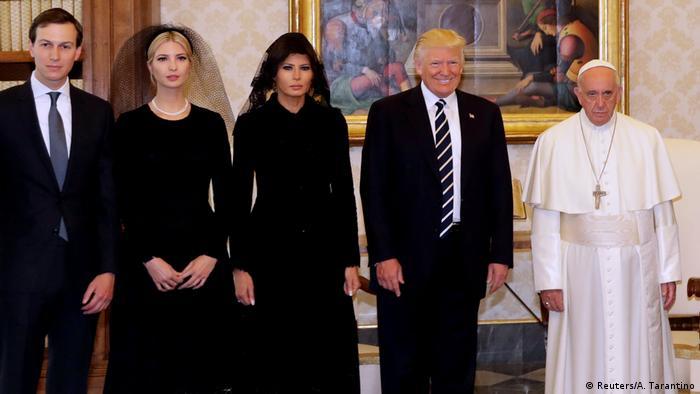 USA Trump Family beim Papst Gruppenfoto